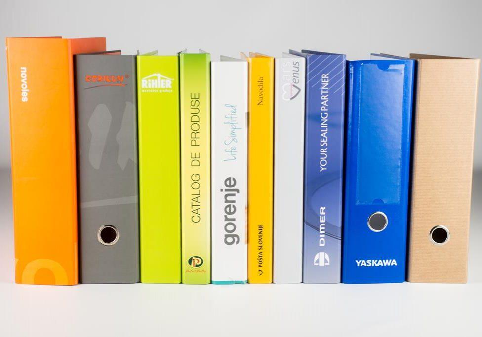 Ponujamo samostoječe registratorje ali registratorje z škatlo, ki so zelo kompaktni oz. odporni na večje obremenitve.